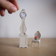 This is a tutorial for a little Mora clock. These clocks are a Scandinavian  style upright clock which are common in all traditional Swedish homes.