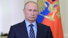 Putin ha decidido cancelar por ahora la visita a Francia debido a que una serie de actividades relacionadas con la apertura de un centro cultural y espiritual ruso han abandonado el programa previsto.