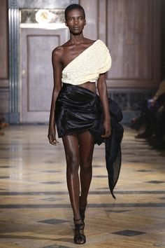 Sophie Theallet Fall 2016 Ready-to-Wear Fashion Show Collection Fashion Show Collection, Couture Collection, High Fashion, Fashion Beauty, Sophie Theallet, Fashion Colours, Fall 2016, Catwalk, Ready To Wear