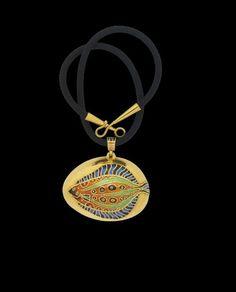 Necklace | John Paul Miller. 'Flounder and Fossil'.  Enamel, 18k gold  c.1959