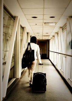 More women traveling solo, statistics show