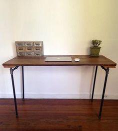 Reclaimed Barn Wood & Pipe Desk