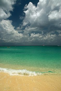 ✮ Grand Cayman in the British West Indies I love this place. My favorite place to visit.