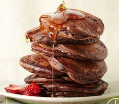 Double chocolate pancakes from UnDiet cookbook: (#vegan, #glutenfree, #sugarfree) @rickiheller