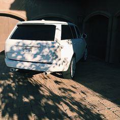Kylie Jenner's all white Range Rover