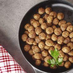 Leif Mannerströms köttbullar Dog Food Recipes, Food And Drink, Ethnic Recipes, Dog Recipes