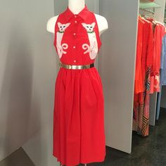 """Donne Vincenti su Instagram: """"Creatività Italiana  #Vivetta #newcollection #dress #Spring2016 #embroidery #cats #red #donnevincenti #novità #igers #albafashion #fordreamersonly"""""""