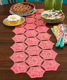 caminho de mesa de croche rosa claro