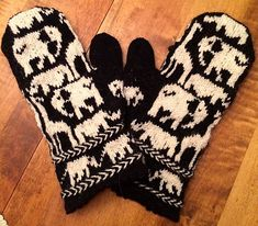 Ravelry: It's All Happening at the Zoo with the Elephants, Giraffes and Rhinos Mittens pattern by Fact Woman Knitted Mittens Pattern, Crochet Mittens, Fingerless Mittens, Knitted Gloves, Knit Crochet, Crochet Granny, Crochet Stitches Patterns, Knitting Stitches, Knitting Patterns