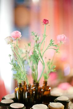 Ultra Cheap Wedding Styling| Serafini Amelia| Vintage Bottles & Fresh Flowers| The Lab Event