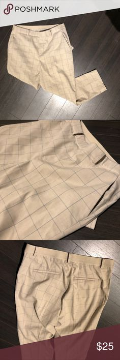 Uniqlo Plaid Large Ankle Smart Pant Very cropped - stretchy elastic band for comfort Uniqlo Pants Trousers
