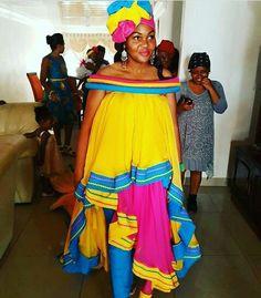 New South African Traditional Dresses Ideas - Pretty ~ neue ideen für traditionelle südafrikanische kleider - hübsch ~ nouvelles idées de robes traditionnelles sud-africaines - jolie African Fashion Designers, Latest African Fashion Dresses, African Print Dresses, African Print Fashion, Africa Fashion, African Wear, African Attire, African Prints, African Clothes