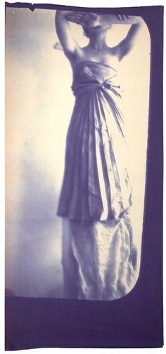 Francesca Woodman (Caryatid Figure)       Francesca Woodman Caryatid, New York, 1980 Diazotype