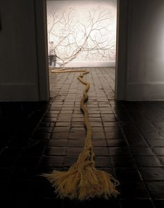 Brazilian artists Janiano Mello and Daniel Landini's (Mello + Landini) on-going series of installations feature intertwining ropes that they have. Laurel Tree, Rope Art, Carpet Installation, Plastic Art, Textile Art, Art Direction, Unique Art, Amazing Art, Contemporary Art