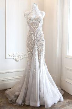 107 best Unique Wedding Dresses images on Pinterest | Bridal gowns ...