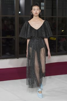 The complete Emilia Wickstead Fall 2018 Ready-to-Wear fashion show now on Vogue Runway.