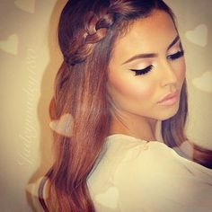 Transform your plain hairstyle into a more sophisticated and trendy look in a matter of minutes..