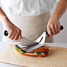 Herramientas gourmet para partir una buena torta de milanesa con queso... ÑOM ÑOM! Chef'n Panini Spatula #product_design