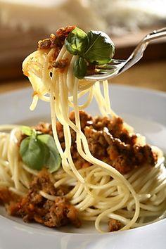 Klasický recept na těstoviny s masovou směsí.