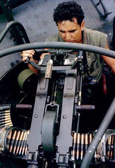 Vietnam History, Vietnam War Photos, Naval History, Military History, Brown Water Navy, North Vietnam, Vietnam Veterans, Military Veterans, United States Navy