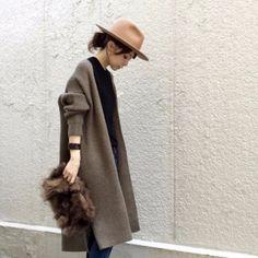 LOCARIの記事「コート未満な秋マスト♡「着流しアウター」で抜け感コーデ」。今話題のファッションやトレンド情報をご覧いただけます。ZOZOTOWNは人気ブランドのアイテムを公式に取扱うファッション通販サイトです。