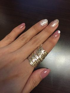Short stiletto nails. Pink and gold manicure. Pinterest inspired by @initialxdee