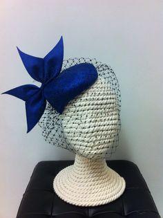 Parasisal headpiece with custom bow and veil por BilianaBorissova