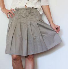 Fust din stofa, cu pliuri ample Midi Skirt, Skirts, Fashion, Moda, Midi Skirts, Fashion Styles, Skirt, Fashion Illustrations