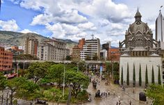 """Fotoviaje: Medellín, Antioquia, Colombia. Día 9 """"Mi primer dí... Barcelona Cathedral, Paris Skyline, Building, Travel, Medellin Colombia, Earth, Countries, Cities, First Day"""