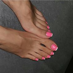 Such long toes Pink Toe Nails, Pretty Toe Nails, Cute Toe Nails, Toe Nail Color, Feet Nails, Pretty Toes, Hot Pink Toes, Hot Pink Pedicure, Long Toenails
