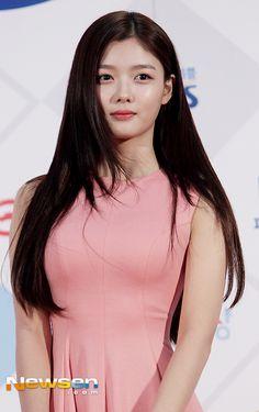 Korean Women, Korean Girl, Kim Joo Jung, Child Actors, Airport Style, Cute Girls, Actresses, Paper Bows, Lady