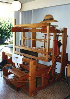 On a Floor Loom Weaving Projects