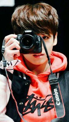 Bts jungkook member of bts he looks like a baby ! Jung Kook, Busan, Bts Jungkook, Billboard Music Awards, Foto Bts, Playboy, Admirateur Secret, Saranghae, Jeongguk Jeon