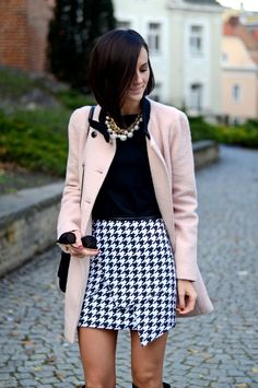Houndstooth skirt - such a classy style, can't get enough!