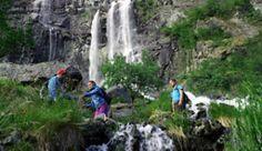 Wandern im Tal Aurlandsdalen in Norwegen - Foto: Field Productions
