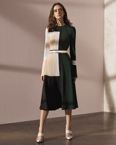 See the complete Prabal Gurung Pre-Fall 2017 collection.