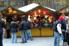 Chicago Christmas Market outside market for venders to showcase international Christmas items Chicago Movie, Chicago Map, Visit Chicago, Chicago Hotels, Chicago Shopping, Chicago Travel, Chicago Style, Chicago Restaurants, Fun Places To Go