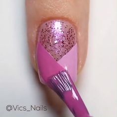 Nageldesign A super easy and cute nail design that will complete your looks 😍😍 Credits: vics_nails W Nail Design Glitter, Pink Glitter Nails, Pink Nail Designs, Simple Nail Art Designs, Nail Pink, Cute Pink Nails, Super Cute Nails, Gold Nails, Nails Design