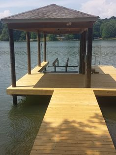 The Cliffs approved dock with boat lift, boat lift, lake keowee ...