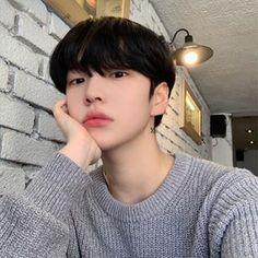 Image may contain: one or more people and closeup Korean Boys Hot, Korean Boys Ulzzang, Ulzzang Couple, Ulzzang Boy, Korean Men, Cute Asian Guys, Asian Boys, Asian Men, Cute Guys