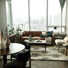 what a beautiful living room.