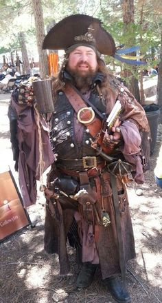 Realistic Pirates - wow, he's got a lot of stuff hanging from his belt Pirate Halloween, Halloween Costumes, Pirate Costumes, Pirate Outfits, Teen Costumes, Fairy Costumes, Woman Costumes, Mermaid Costumes, Couple Costumes