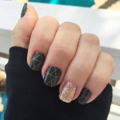 You can have a gorgeous mani just like this! I am wearing Brooklyn Bridge and…