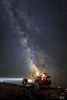 I think Jeeps are awesome.  And I like stars.  I love it when I can take pictures of both.