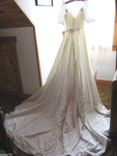 VINTAGE LACE WHITE WEDDING FORMAL DANCE  GOWN DRESS LONG TRAIN BORDER OF ROSES #JPORIGINALSLTD