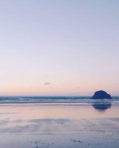 Pastel sunset series  #waharariki #goldenbay #sunset #newzealand #southislandnz #pastelsky #beachlife