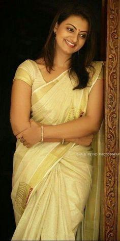 Beautiful Blonde Girl, Beautiful Girl Indian, Most Beautiful Indian Actress, Beautiful Saree, Beautiful Actresses, Beautiful Women, Beauty Full Girl, Cute Beauty, Beauty Women