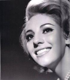 """María Félix, Jacqueline Andere, Marga López, Julissa, Gloria Marín y Tongolele.""""En la lente de: """"El fotógrafo de las estrellas"""" Armando Herrera tomadas entre 1961-1965 """""""