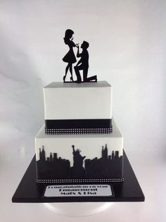 New York theme engagement cake