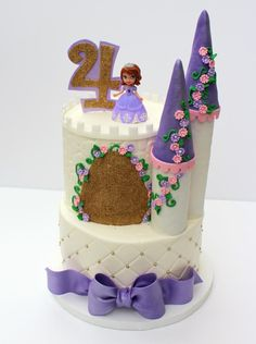 Sofia the first castle cake Sofia The First Birthday Cake, 4th Birthday Cakes, Birthday Ideas, Princess Sophia Cake, Princess Cakes, Cupcakes Princesas, Sofia Cake, Princesa Sophia, Little Pony Cake